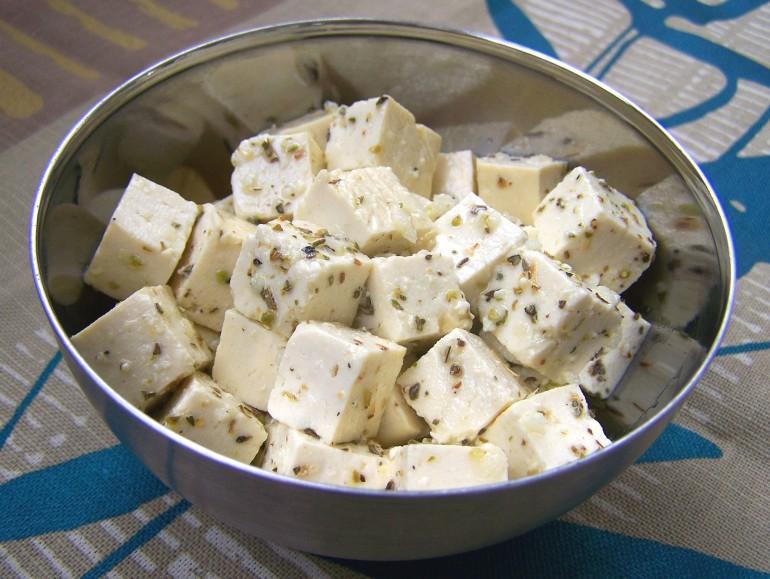 Tofu feta, vegan