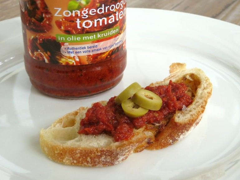 Sundried tomato tapenade, vegan