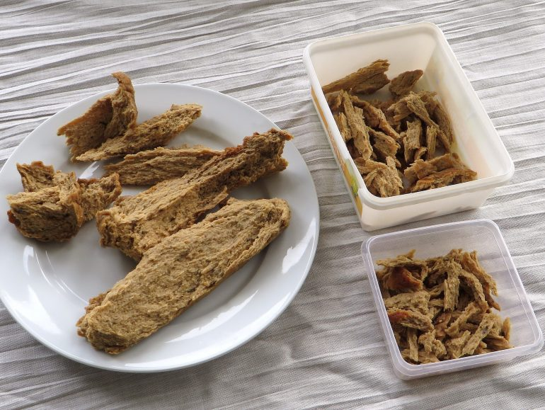 Seitan chicken pieces, low carb vegan